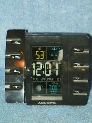 AcuRite 13020 Projection Alarm Clock with USB Charger and Outdoor Temperature