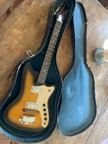 Vintage 1965 Silvertone Bobkat Electric Guitar