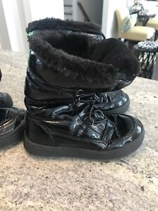 Girls Cougar boots size 1