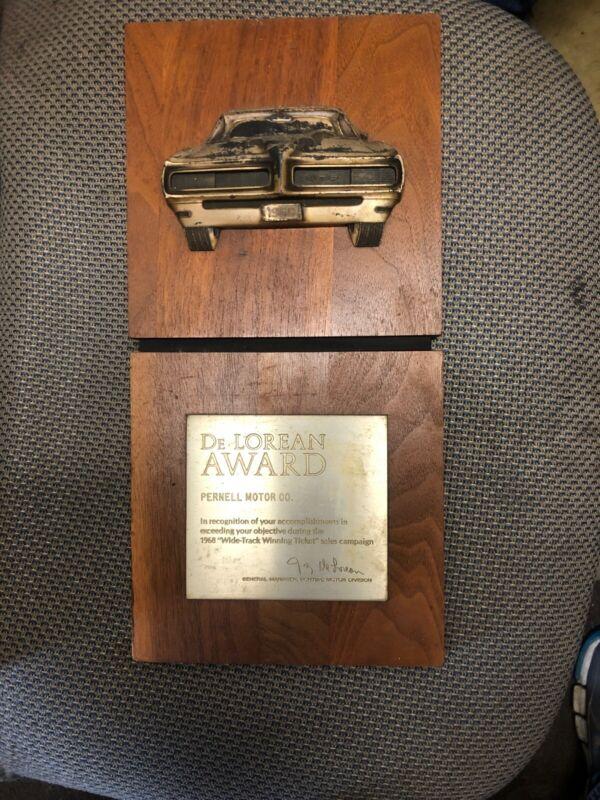 De Lorean Sales Award