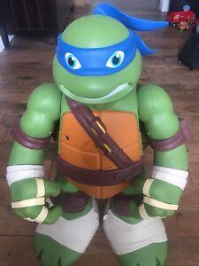 Ninja turtle mutation play set