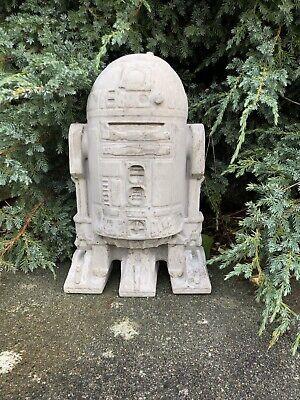 Star Wars R2-D2 Garden Concrete Ornament