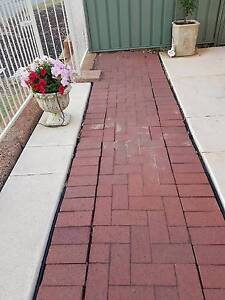 Free red pavers Baldivis Rockingham Area Preview