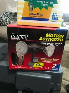 Regent Motion Activated Security Light with 2 Bulbs