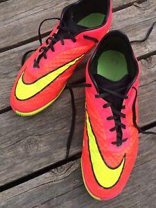 Nike indoor men's soccer shoes - $25 sz 12