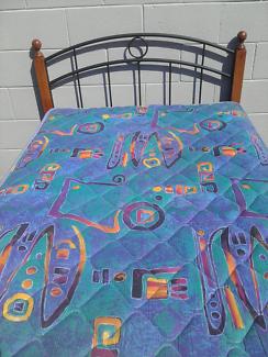 King single bed with Sleepmaker mattress