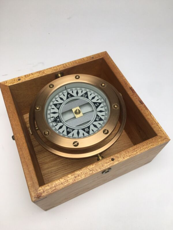 Dirigo nautical boat compass in wooden box magnetic 4 inches