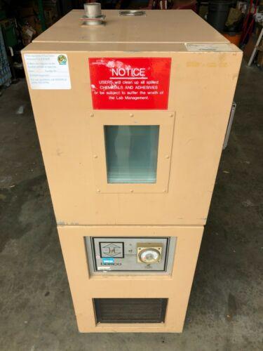 Bemco FB1.5-100/350V Environmental Chamber 1.5 Cu Ft / -100~350°F Tested - Good!