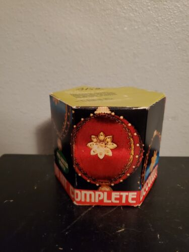 Christmas Tree Ornament Decorating Kit Complete Boxed Red Gold Speckled Flower