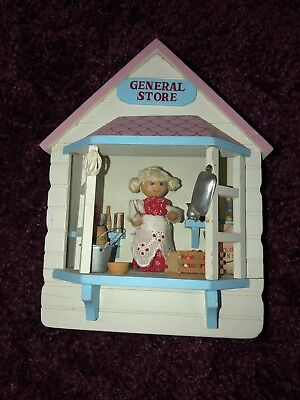 VTG Westland My Favorite Things Moving Wooden General Store Music Box Scene (Westland Stores)