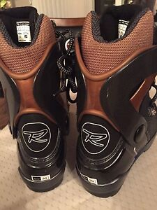 Brand New Rossignol Nordic ski boots