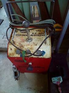 Compak 140 A.C. Arc Welder (Copper Coil) 15 amp    $60ono Zillmere Brisbane North East Preview