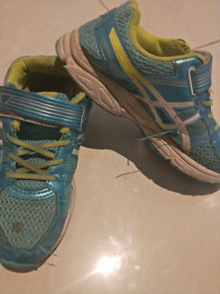 Girls size 2 Asics runners shoes
