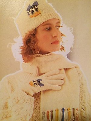Disney Daisy Duck Hat, Scarf And Glove Set Knitting Pattern ()