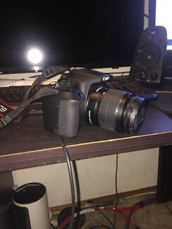 Canon 1300d camera