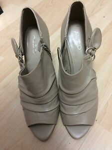 Aldo ladies size 9 (40) shootie high heels light brown