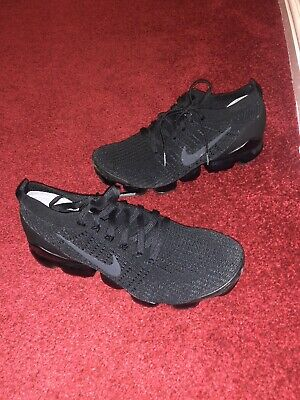 Nike Vapormax Flyknit   Black Uk9.5   FREE SHIPPING