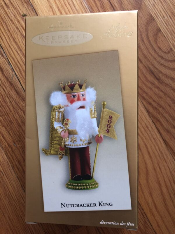 Preowned Hallmark Keepsake Christmas Ornament - Nutcracker King 2004