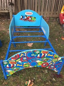 Thomas the train kids bed