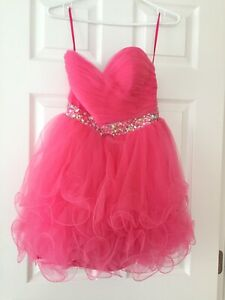 e2ea382836b Grade 8 Grad dress for sale