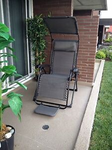 2 Chairs fully equipped  ( beach, back yard)