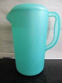 BRAND NEW PLASTIC WATER DRINK JUG PITCHER GREEN WITH HANDLE & LID Aberfoyle Park Morphett Vale Area Preview