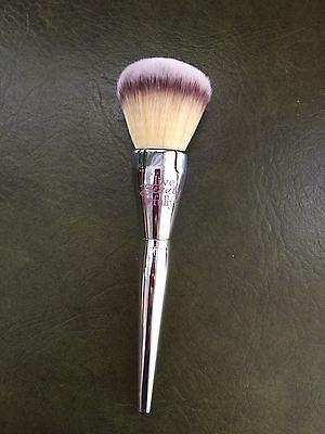 It Cosmetics For Ulta Live Beauty Fully All Over Jumbo Powder Brush  211