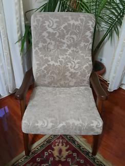 Wanted: Sofa lounge set