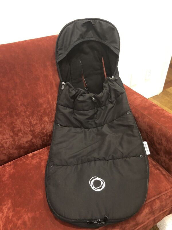 bugaboo footmuff-black used in great condition