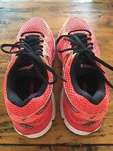 Asics GT 2000 runners size 7 Warragul Baw Baw Area Preview