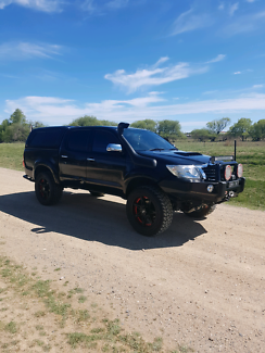2014 Hilux Black Edition With everything