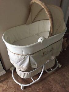 Carters bassinet