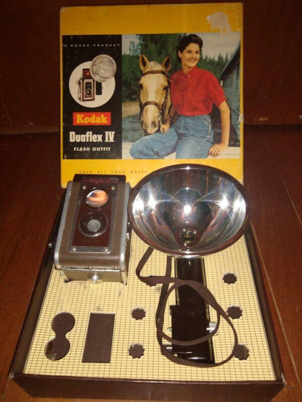 Nice Vintage Kodak Duaflex IV Camera W/Box
