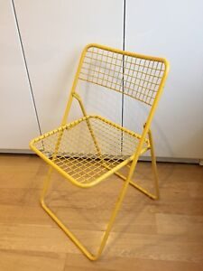 VINTAGE WIRE MESH FOLDING CHAIR RETRO 70's -80's yellow