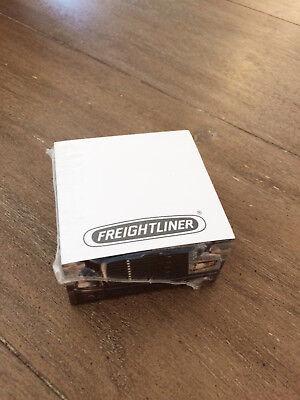 Freightliner Trucks Post-it Paper Sticky Notes Desktop Block Cube