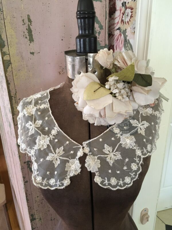 Lovely Antique Ladies Lace Dress Collar Floral Design Netting #A79