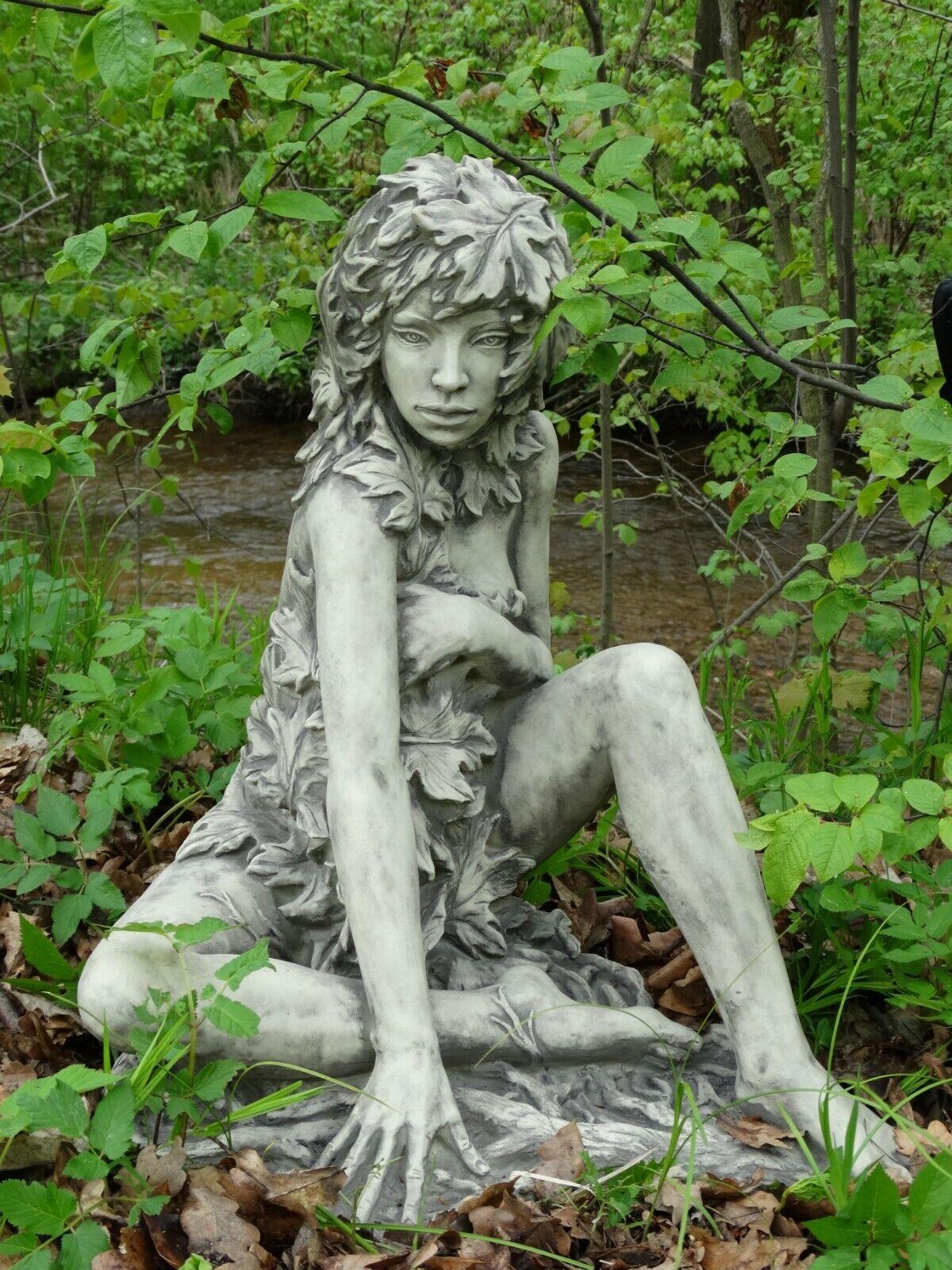 Gartenfigur Skulptur Steinfigur Statue Steinguss Dekoration Baumhüterin Ahorn