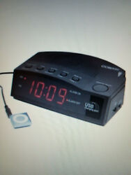 Conair® Hospitality Alarm Clock Radio With USB Charging Port NEW !!