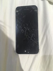 iPhone 5s , needs new screen good for parts