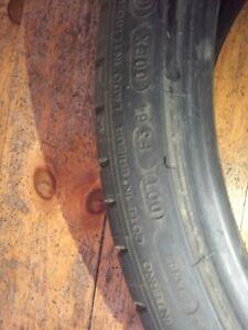 4 pneu  Michelin d'hiver 2 pneu d'été