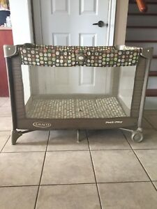 Graco Playpen with Bassinet Attachment