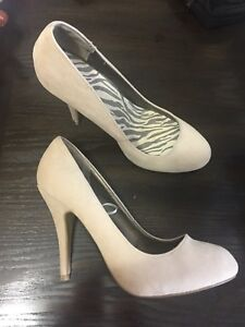 NEW Atmosphere Women's Shoes. Size 7