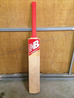 Gray Nicolls Kaboom Signature DW (with New Balance stickers on) Balwyn North Boroondara Area Preview
