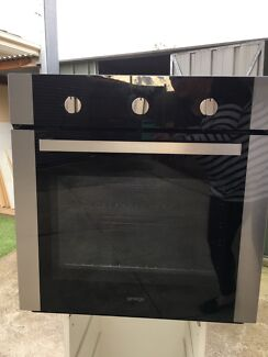 Wall oven 'Omega' barely used, great condition.