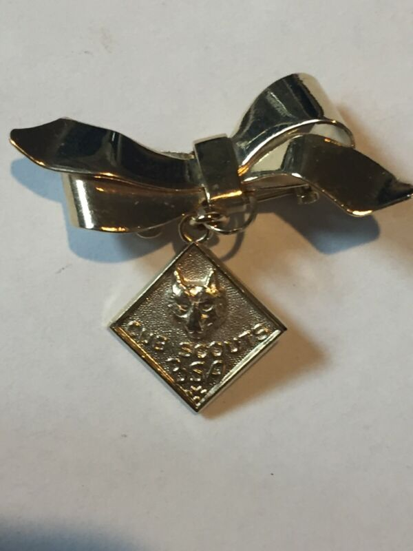 Vintage Gold Tone Bow Pin Brooch With Cub Scouts BSA Dangle Pendant Charm Mothet