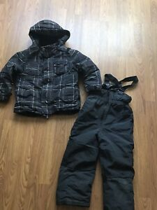 Joe Fresh snow suit - size 5
