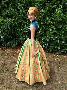 Cosplay ANNA coronation costume
