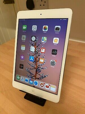 Apple iPad mini 2 32GB, Wi-Fi, 7.9in - Silver - IMMACULATE cond PLUS KEYBOARD