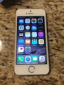 iPhone 5S 32GB on Bell or Virgin