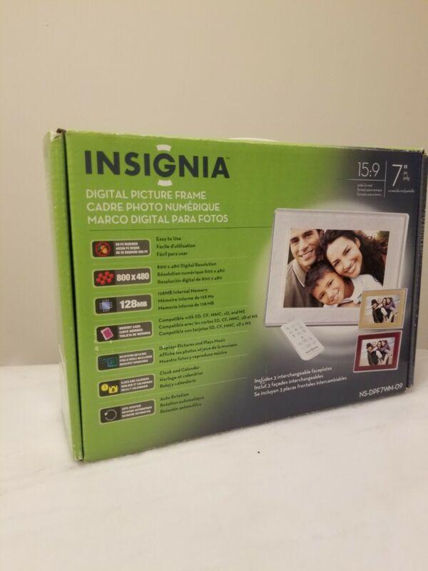 """Insignia Digital Picture Frame 15:9 7"""" NS-DPF7WM-09 Open Box"""